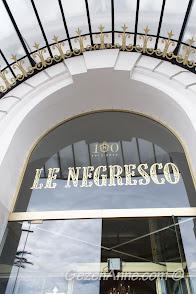 100. yılını kutlayan Le Negresco Otel girişi, Nice
