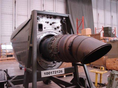 In de inspection bay wordt elke C-130 eenmaal per jaar gestript en volledig nagekeken.