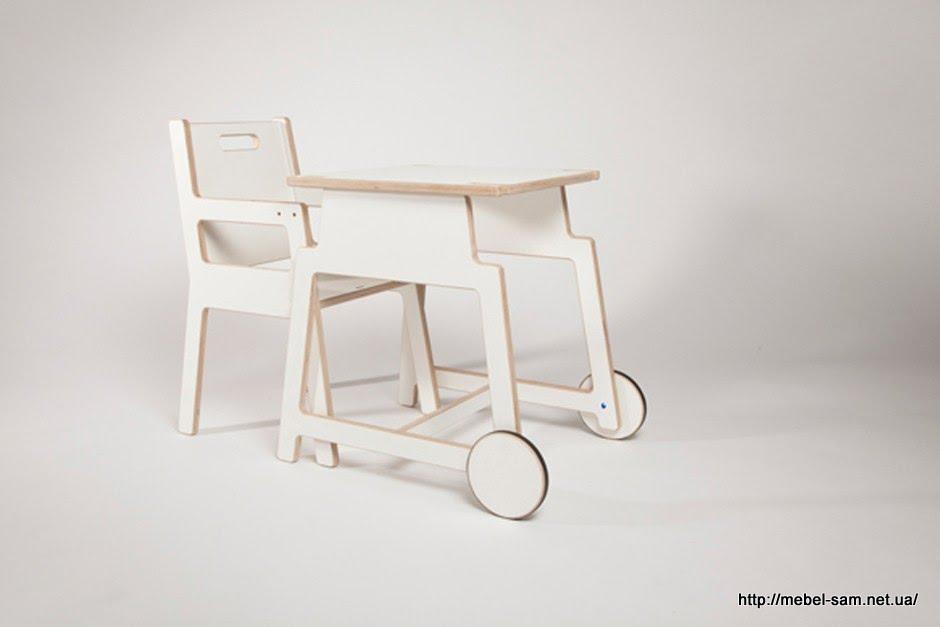 Второй вариант использования - фанерные стол и стул для детей от 2 до 4 лет