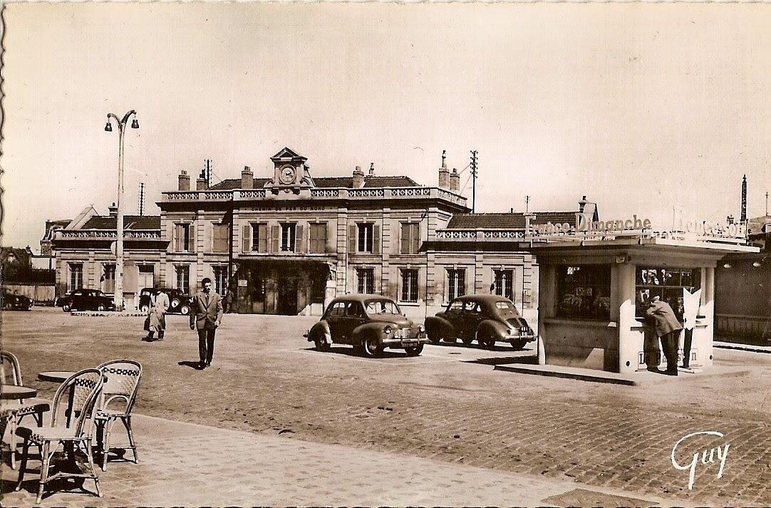 2 la gare vue de la place sannois carte postale ancienne cpa. Black Bedroom Furniture Sets. Home Design Ideas