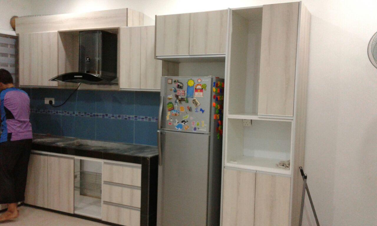 Agr cabinets and wardrobe formula kitchen cabinet and tu for Kitchen wardrobe