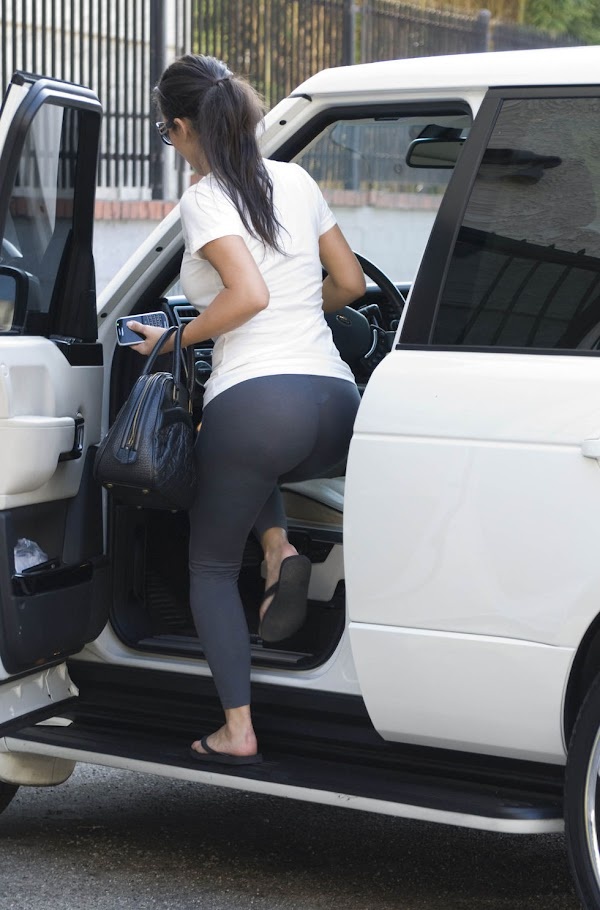 "Kim Kardashian Leaving ""Dancing With the Stars"" Studios in Los Angeles(6pics)  #celebrities:celebrities"