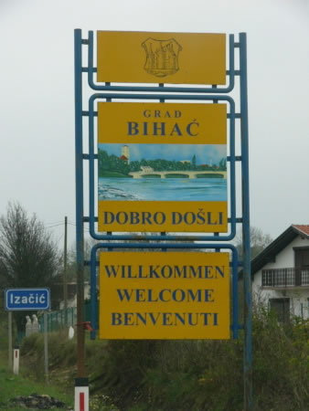 Welcome     sign in three languages