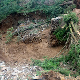 2015年6月30日蔣貢康楚仁波切德千林寺協助印度大吉嶺地區土石流救災並為受災者祈福