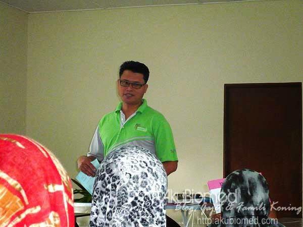 En.Kamaruzzaman pengelola program
