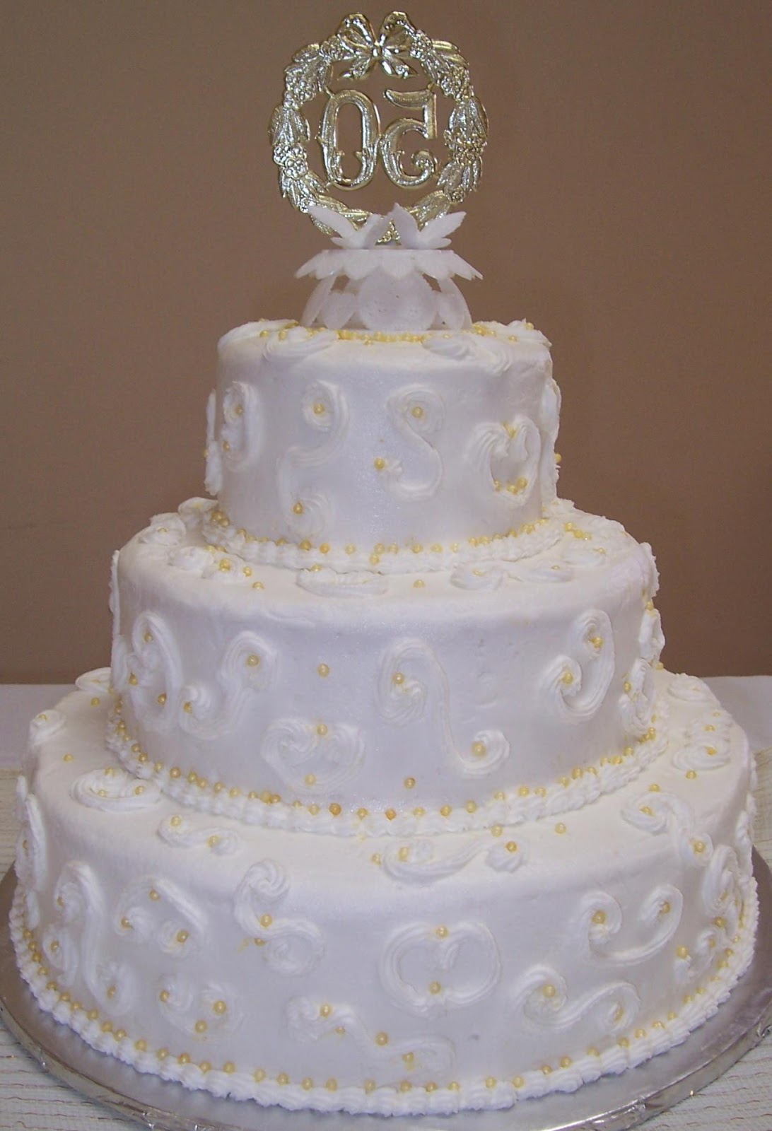 vinnie 39 s blog 50th wedding anniversary cakes. Black Bedroom Furniture Sets. Home Design Ideas