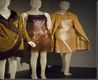 O estilo de se vestir de Bacall esteve recentemente numa exposição no museu de Nova Yorque