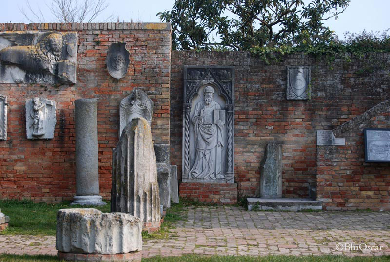 Piazza Torcello 16 03 2011 N04