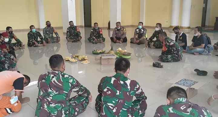 Danramil 02/TB Hadiri Doa Bersama Dalam Rangka HUT TNI ke 76 Di Masjid Jihadul Akbar Tanah Sereal..