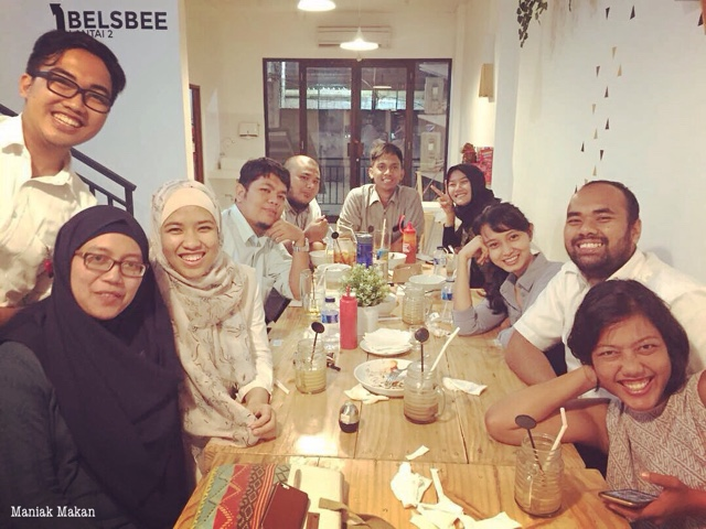 maniak-makan-happy-hana-coffee-and-dine-saharjo-tebet-jakarta-hang-out-with-friends