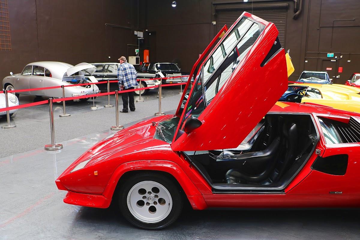 Lamborghini Countach (13).jpg