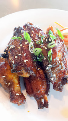 Altabira City Tavern happy hour special (also on their Tavern Menu) of Smoked Chicken Wings