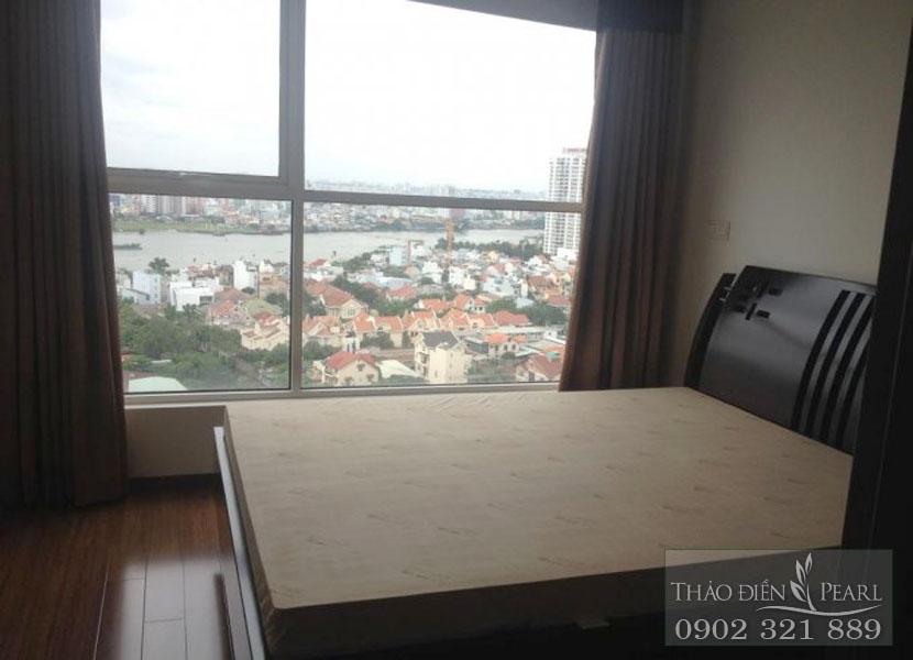phòng ngủ view sông Sài Gòn tại căn hộ thảo điền pearl 115m2