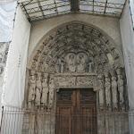 Cathédrale Notre-Dame : portail gothique, le couronnement de la Vierge