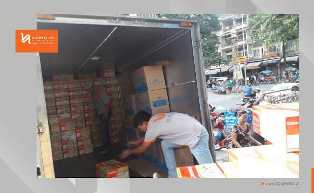 xe tải 2 tấn chở hàng
