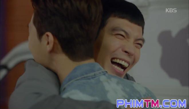 Nổi cơn ghen, Park Seo Joon… áp mặt sát vào Kim Ji Won - Ảnh 20.