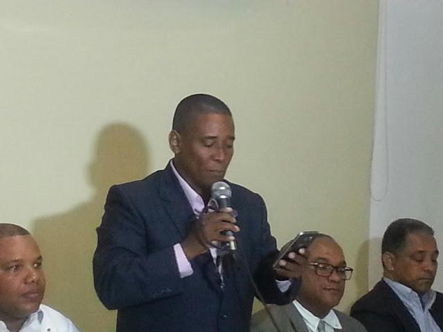 Benny Rodríguez lanzan sus aspiraciones a seguir dirigiendo el CDP en Barahona