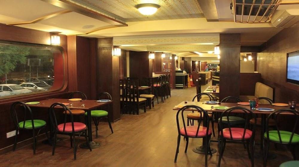 best_north_indian_restaurants_delhi_indus_flavor_image