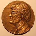 Voorkant bronzen gedenkpenning