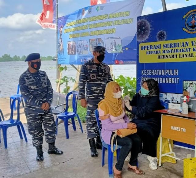 Vaksin Lanal Kembali Sasar Warga Kawasan Pelabuhan Trisakti
