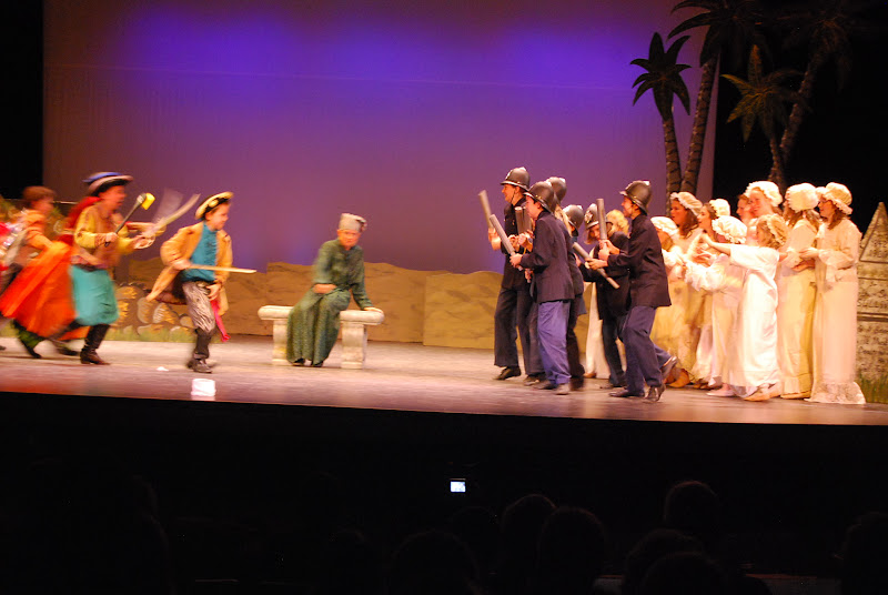 2012PiratesofPenzance - DSC_5947.JPG