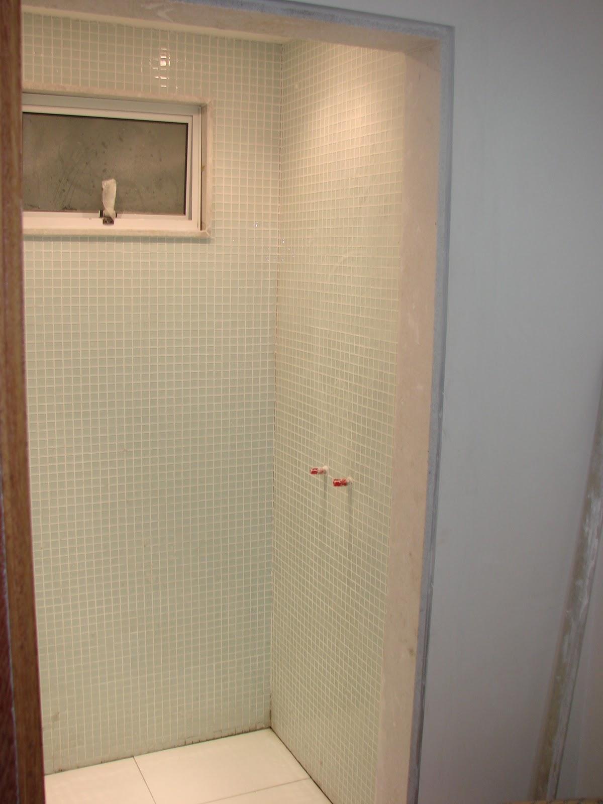 Nosso CaFofinho: Cômodo a cômodo parte I Banheiro #A66425 1200x1600 Banheiro Com Pastilha So No Box