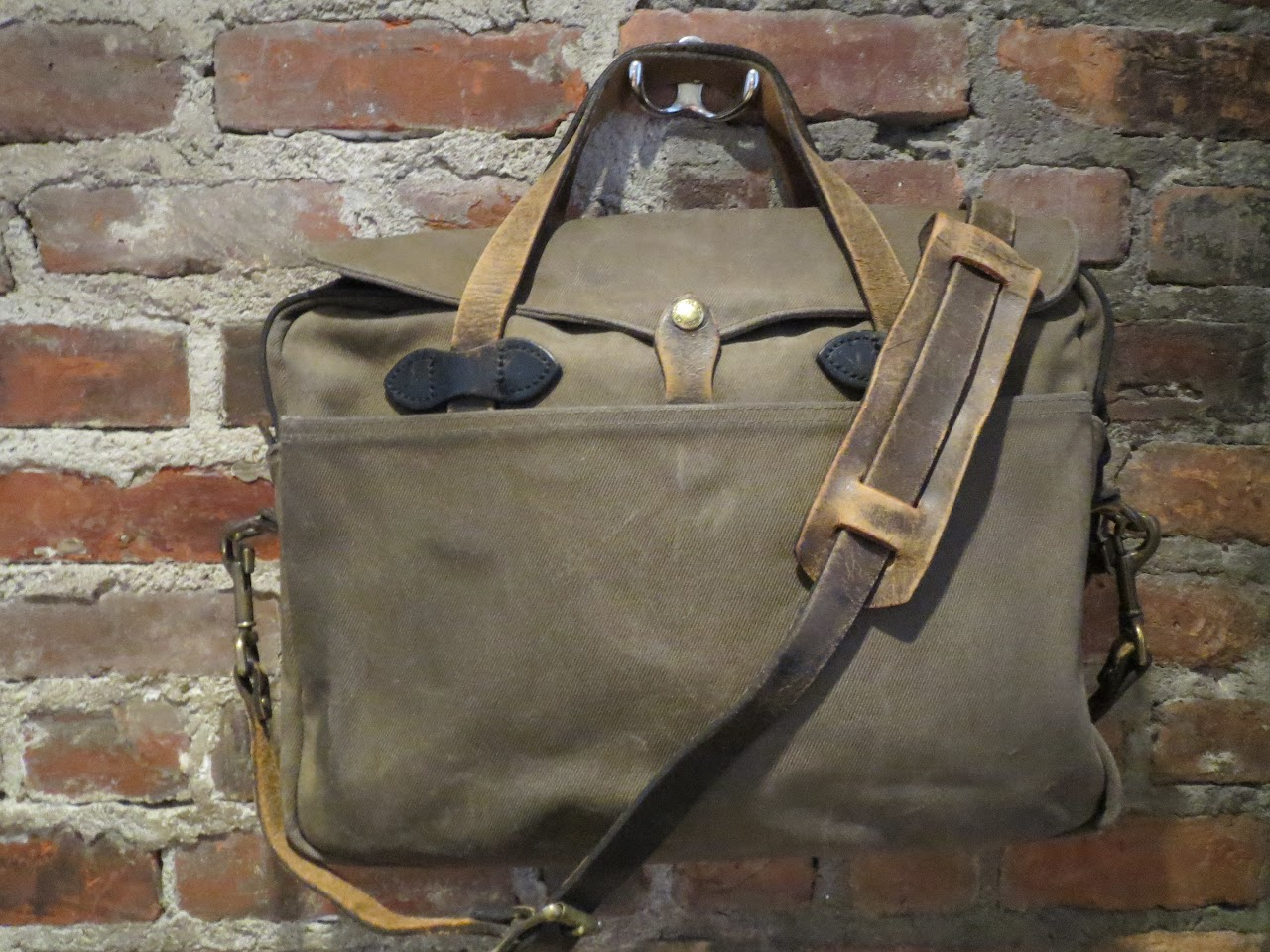 Filson Heavy Canvas Messenger Bag