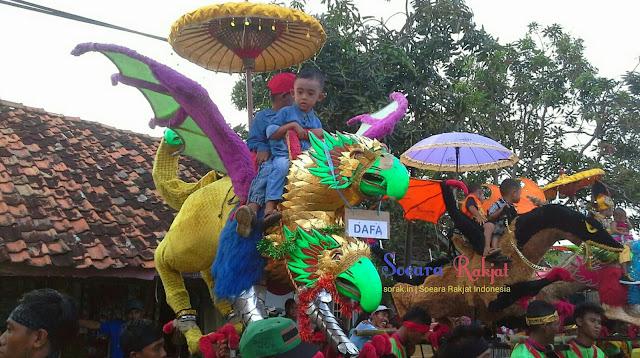 Sisingaan dan mamanukan arak-arakan budaya masyarakar subang