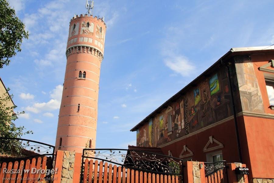 Murale nieopodal rynku w Nowem nad Wisłą