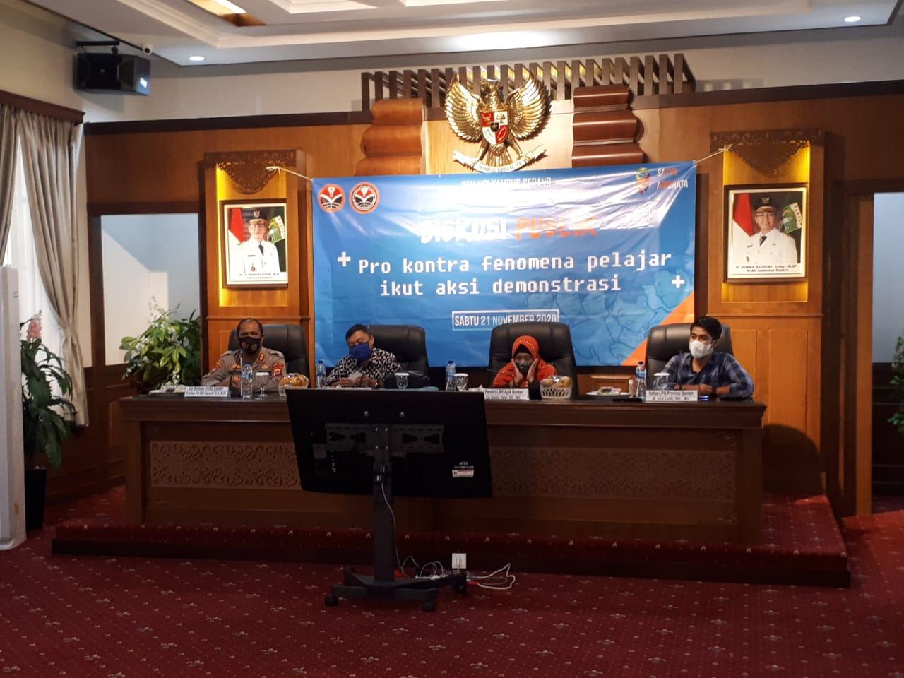 Polda Banten Ajak Mahasiswa Untuk Patuhi Hukum dan Prokes Saat gelar Aksi