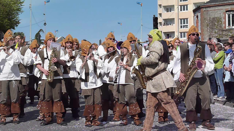 Image : CARNAVAL  de  CHOLET avec les Korrigans - 21 Avril 2013