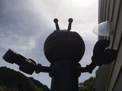 バイキンロボ「だだんだん」の銅像