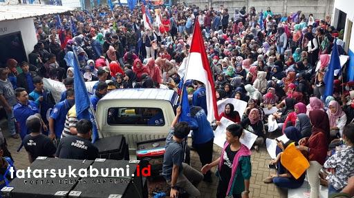 Buruh duduki pabrik PT Sentosa Utama Garmindo Cicurug dan Segel aset perusahaan, Foto : Isep. Panji (28/1/2019)
