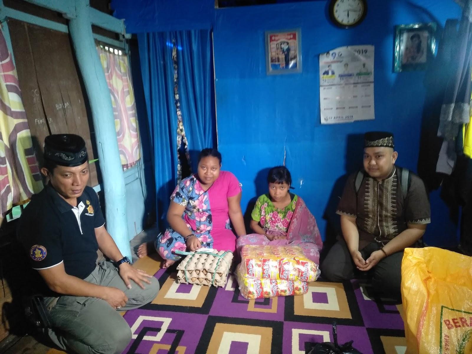 Berbagi, At-Taubah Peduli Sasar Rumah Fakir Miskin dan Anak Yatim