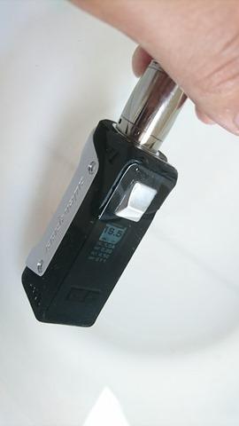 DSC 5760 thumb%255B2%255D - 【MOD】「GEEKVAPE AEGIS 100W 18650/26650 BOX MOD」(ギークベイプ・イージス100W)レビュー!水につけても平気、落としても100人乗っても…頑丈MOD!!【VAPE/電子タバコ/防水/防塵/耐衝撃】