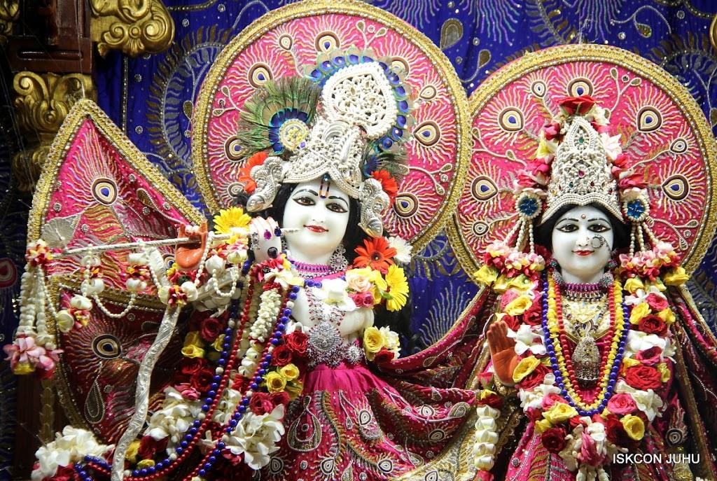 ISKCON Juhu Sringar Deity Darshan on 27th April 2016 (5)