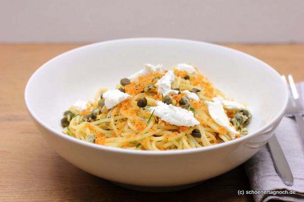 Nachgekocht: Spaghetti mit frittierten Kapern und Ziegenfrischkäse