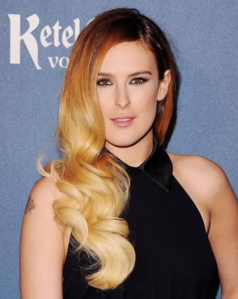 Sweet selfie image for Rumer Willis