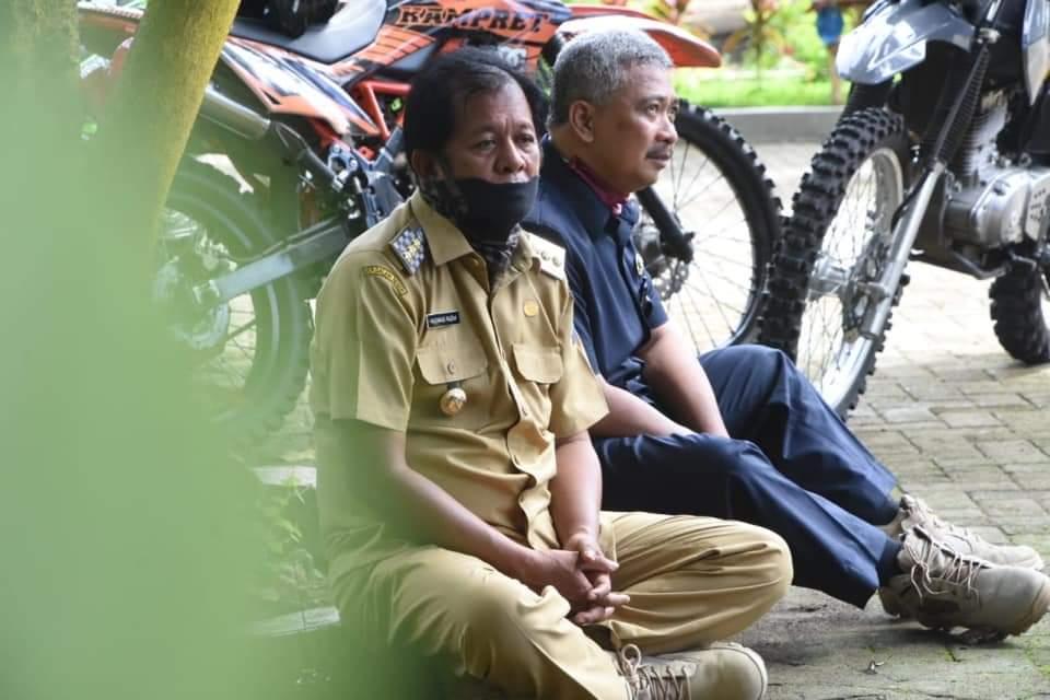 Bupati Soppeng Beri Semangat Para Petugas dan Warga yang Ada di Wilayah Perbatasan
