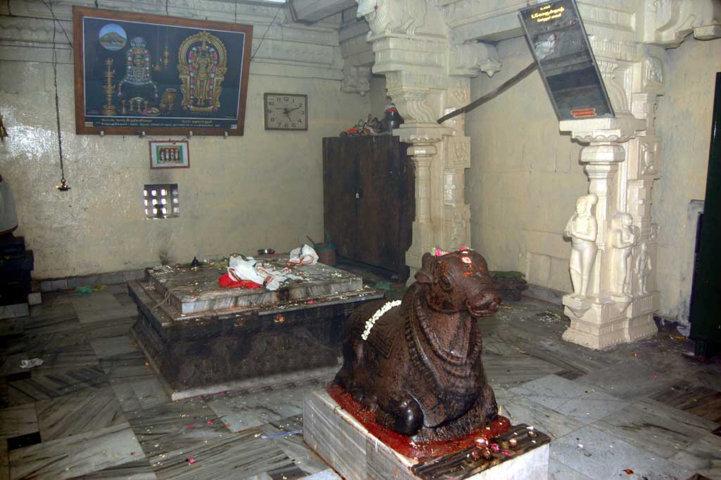Sri Rathnagirinathar Temple, Thiruvatpokki (Ayyar Malai), Kulithalai - 275 Shiva Temples