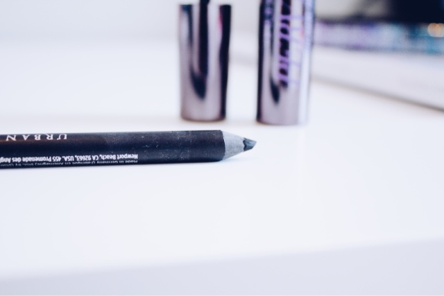 Urban Decay 24/7 Glide-On Eye Pencil in Perversion Review