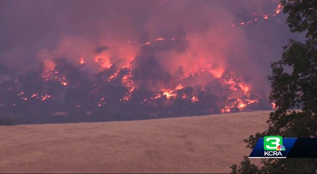 Wildfire burns near Guinda, California, on 30 June 2018. Photo: KCRA News