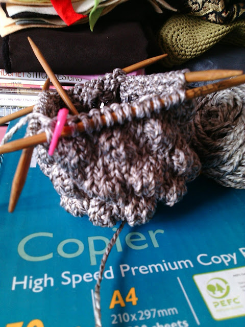 Knitted Artinya : Daily arlik craft