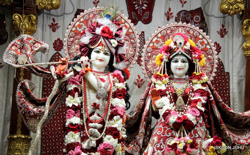 ISKCON Juhu Sringar Deity Darshan on 30th Sep 2016 (5)