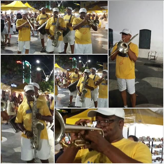Bandinha animando o Largo de Santana