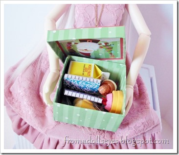 About doll props and where to buy doll props for ball jointed dolls.