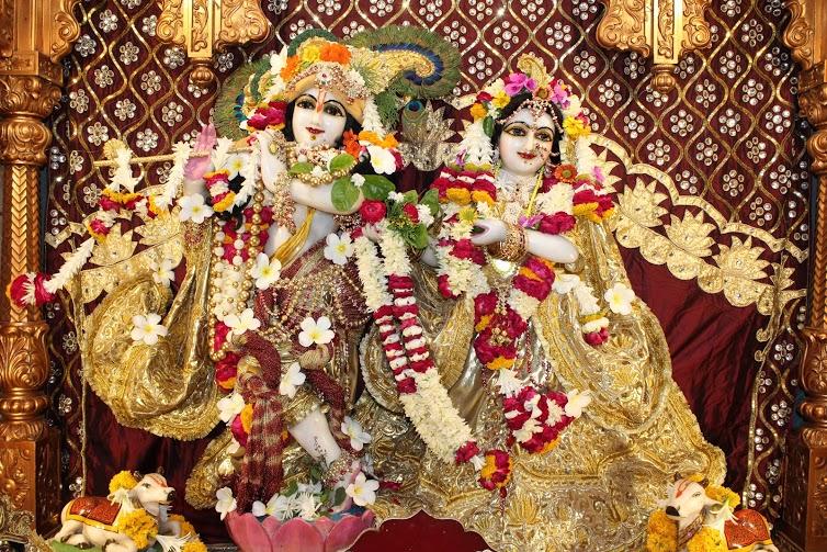 ISKCON Vallabh Vidhyanagar  Deity Darshan 09 April 2016 (1)