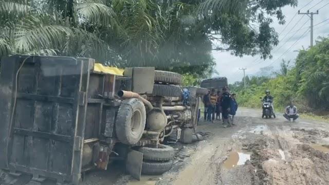 Agar Jalan Kabupaten Awet, Jembatan Dibangun Sempit Agar Truk Tak Bisa Lewat
