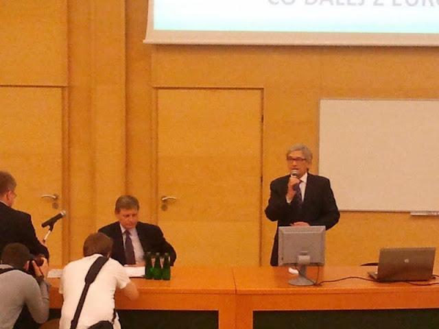 Spotkanie z prof. Leszkiem Balcerowiczem - 2012-06-15%2B09.45.53.jpg
