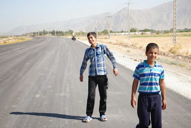 Młodzi kurdowie